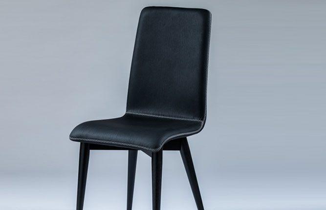 chaise_noire